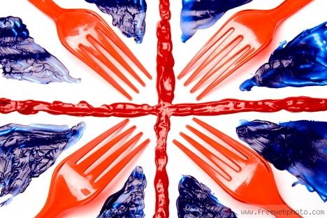 с изображением британского флага, британский флаг на ногтях маникюр.